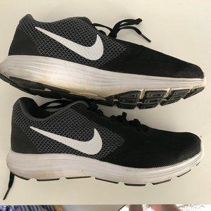 NIKE Women's Revolution 3 Running Shoe - 8W